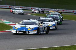 Partenza Gara 1 GTCup, #106 Lamborghini Huracan S.GTCup, Vincenzo Sospiri Racing: Nemoto-Costa al co