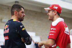 Guillaume Rocquelin, Red Bull Racing, Renningenieur; Sebastian Vettel, Ferrari