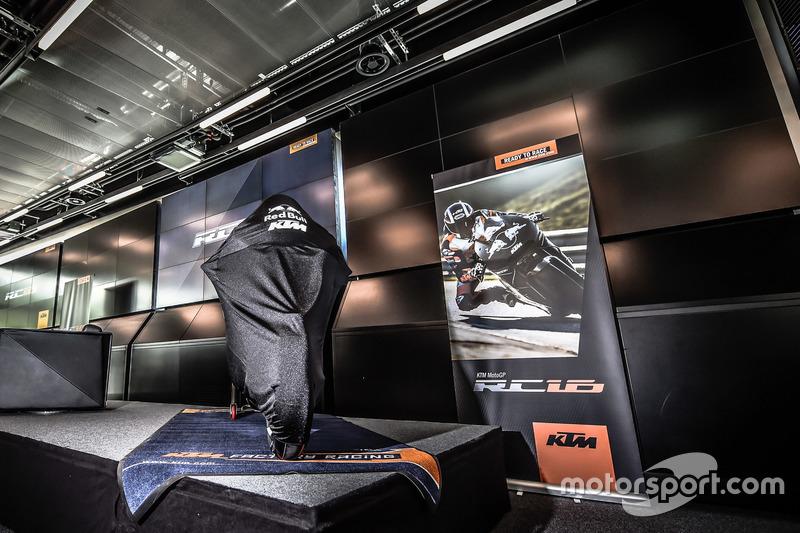 La KTM MotoGP, couverte