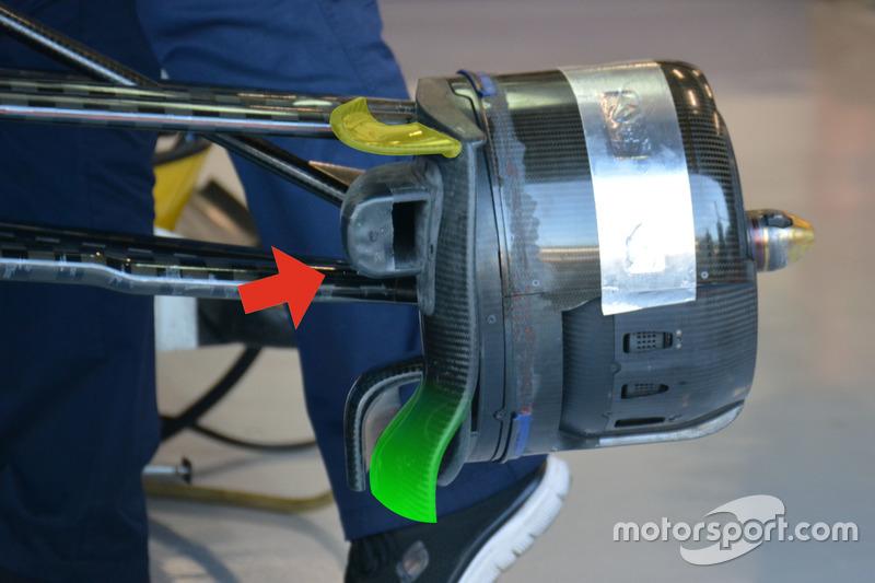 Sauber C35, dettaglio del cestello dei freni anteriore
