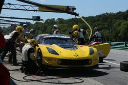 #3 Corvette Racing Chevrolet Corvette C7.R: Antonio Garcia, Jan Magnussen, pit action