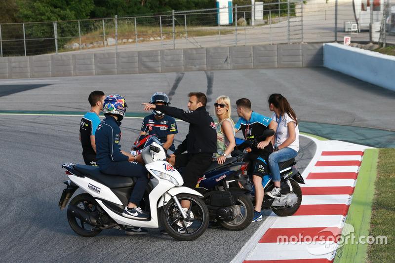 Pilotos en la nueva chicana para reemplazar la curva 12