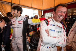 Пьер Раг, #50 Larbre Competition Chevrolet Corvette C7 Z06 и Патрик Пиле, #91 Porsche Motorsport Por