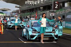 Jean-Karl Vernay Volkswagen Golf GTI TCR Leopard Racing and Stefano Comini, Volkswagen Golf GTI TCR, Leopard Racing