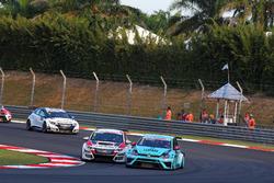 Stefano Comini, Volkswagen Golf GTI TCR, Leopard Racing und Roberto Colciago, Honda Civic TCR, Targ