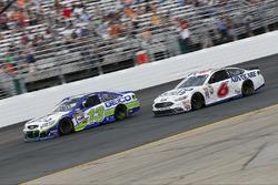 Casey Mears, Germain Racing, Chevrolet; Trevor Bayne, Roush Fenway Racing, Ford