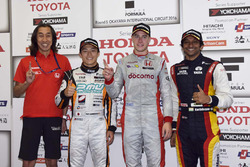 Race winner Stoffel Vandoorne, Dandelion Racing, second place Yuji Kunimoto, Cerumo Inging, third place Narain Karthikeyan, Team LeMans