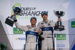 Podium GTE: Race winner #67 Ford Chip Ganassi Racing Team UK Ford GT: Andy Priaulx, Harry Tincknell