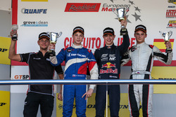 Podium: Richard Verschoor, MP Motorsport