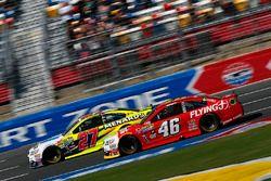 Michael Annett, HScott Motorsports Chevrolet, Paul Menard, Richard Childress Racing Chevrolet