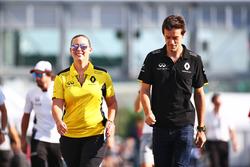 Jolyon Palmer, Renault Sport F1 Team mit Aurelie Donzelot, Renault Sport F1 Team Media Kommunikation