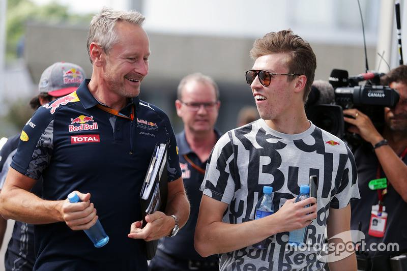 2016 год. С менеджером Red Bull Racing Джонатаном Уитли