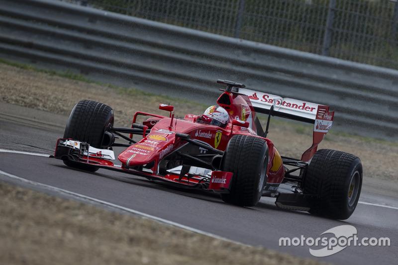 Sebastian Vettel, Ferrari pruebas de la especificación de Pirelli 2017