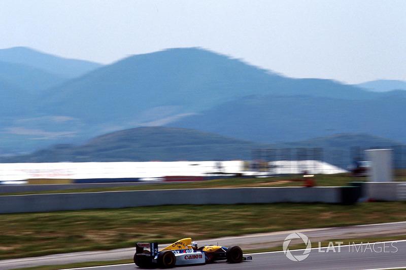 Aunque Prost abrió hueco ante Hill, el británico se acercó tras algunos problemas del Williams del francés