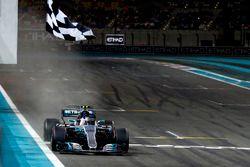 Finishvlag voor Valtteri Bottas, Mercedes F1 W08