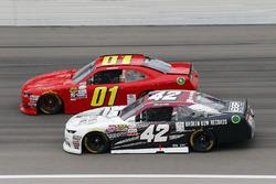 Tyler Reddick, Chip Ganassi Racing Chevrolet y Harrison Rhodes, JD Motorsports Chevrolet