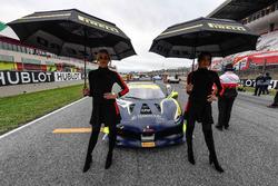 Chicas con el #411 Scuderia Corsa - Ferrari Beverly Hills Ferrari 488: Karl Williams