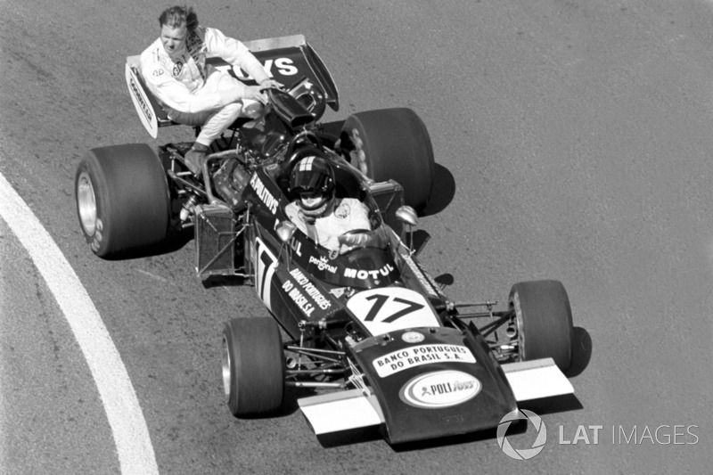 Dijon 1974 : Carlos Pace (Williams) lleva a Ronnie Peterson (Tyrrell)