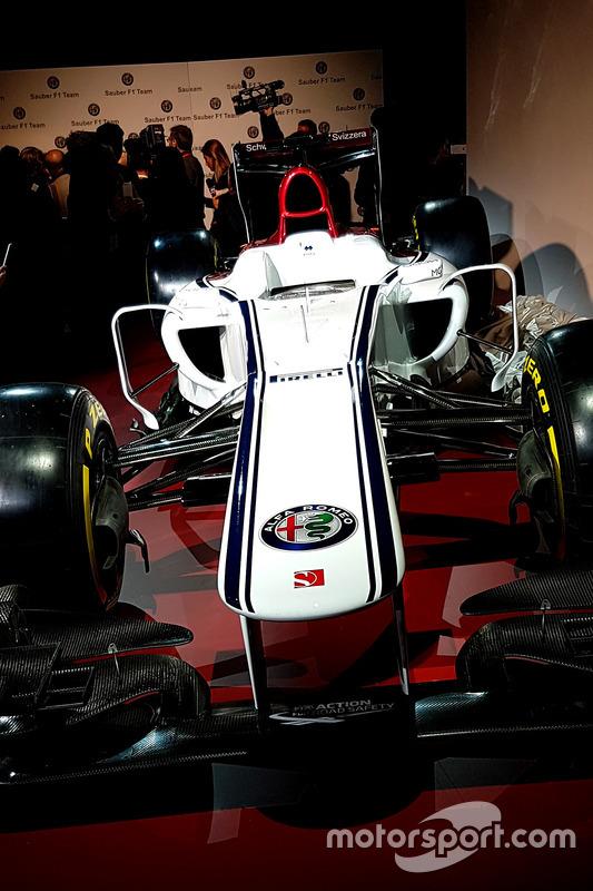 Alfa Romeo Sauber livery unveil
