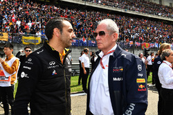 Cyril Abiteboul, Renault Sport F1 Managing Director and Dr Helmut Marko, Red Bull Motorsport Consultant on the grid