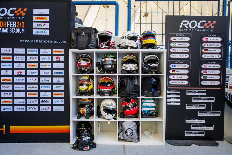 Los cascos y el sorteo de pilotos