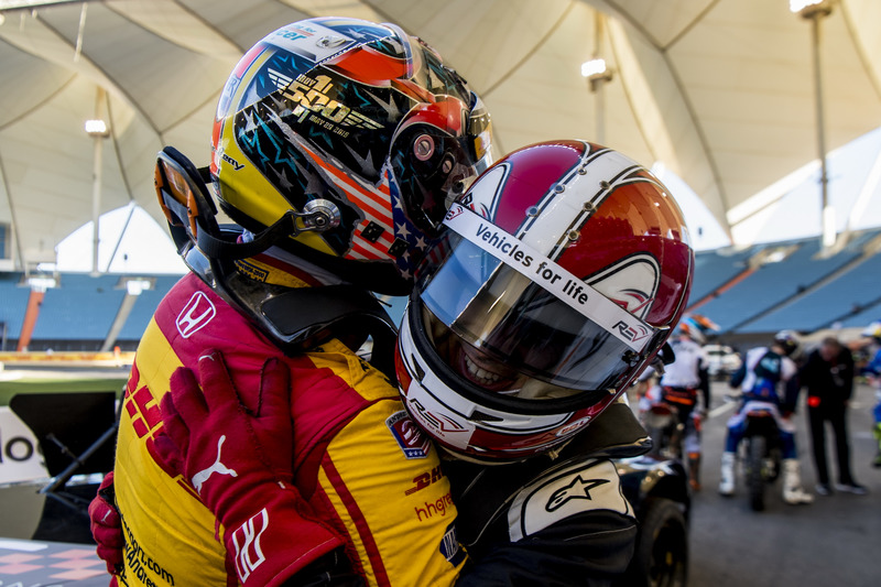 Helio Castroneves y Ryan Hunter-Reay