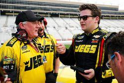 Cody Coughlin, GMS Racing, Jeg's.com Chevrolet Silverado and crew