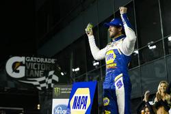 Chase Elliott, Hendrick Motorsports Chevrolet Camaro festeggia