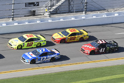 Ricky Stenhouse Jr., Roush Fenway Racing Ford Fusion, Ryan Blaney, Team Penske Ford Fusion, Joey Log