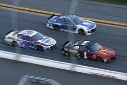 Jamie McMurray, Chip Ganassi Racing Chevrolet Camaro, A.J. Allmendinger, JTG Daugherty Racing Chevro