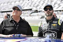 Jimmie Johnson, Hendrick Motorsports Chevrolet Camaro et Rick Hendrick