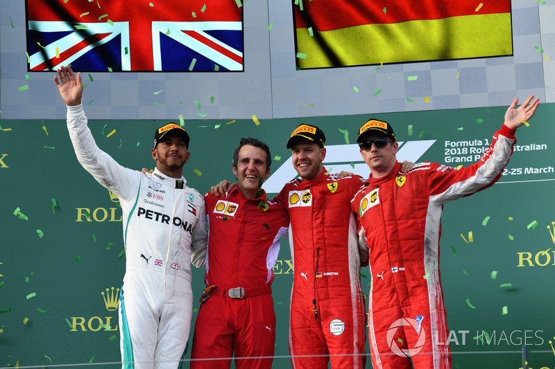Podio segundo lugar Lewis Hamilton, Mercedes-AMG F1, Inaki Rueda, estratega de carreras de Ferrari, ganador de la carrera Sebastian Vettel, Ferrari, y tercer lugar Kimi Raikkonen, Ferrari