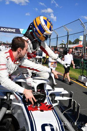 Marcus Ericsson, Sauber C37 en la parrilla