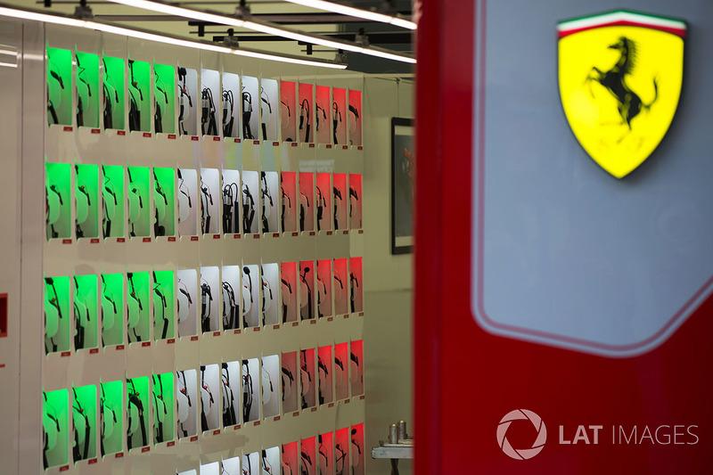 Headset Ferrari