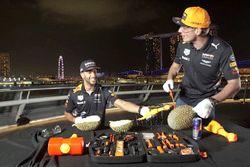 Пилоты Red Bull Racing Даниэль Риккардо и Макс Ферстаппен