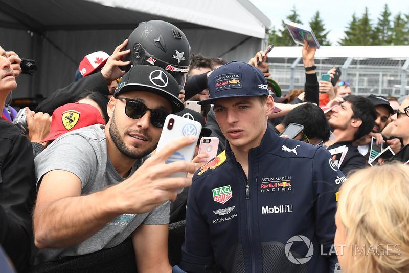 Max Verstappen, Red Bull Racing fans selfie