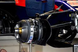 Scuderia Toro Rosso STR13 frenos