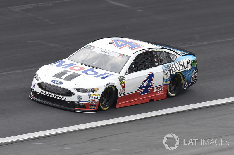 39. Kevin Harvick, Stewart-Haas Racing, Ford Fusion Mobil 1 / Busch Beer