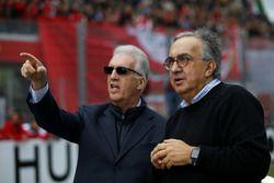 بييرو لاردي فيراري، نائب رئيس فيراري وسيرجيو ماركيوني، رئيس مجموعة فيات