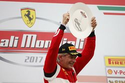 Podyum: Yarış galibi #360 Formula Racing Ferrari 488: Johnny Laursen