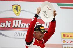 Podium: vainqueur #360 Formula Racing Ferrari 488: Johnny Laursen