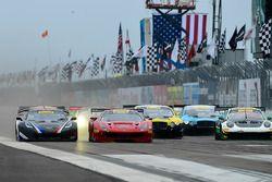 #26 Callaway Competition USA Chevrolet Corvette C7 GT3-R: Daniel Keilwitz, #61 R.Ferri Motorsport Ferrari 488 GT3: Toni Vilander