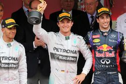 Podium: race winner Nico Rosberg, Mercedes AMG F1, second place Lewis Hamilton, Mercedes AMG F1, thi