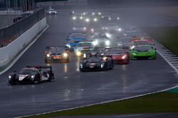 #4 Simpson Motorsport Ginetta G57-P2: Steve Tandy, Bob Berridge, Mike Simpson, Charlie Robertson leads from the start