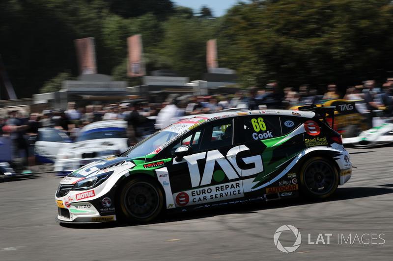 Josh Cook, Power Maxed Racing Vauxhall Astra (54,06 detik)