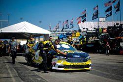 Matt Kenseth, Roush Fenway Racing, Ford Fusion Performance Plus Motor Oil team members