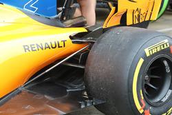Detalle de suspensión trasera McLaren MCL33