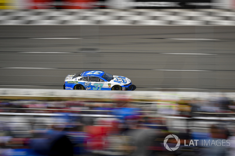 Chris Buescher, JTG Daugherty Racing, Chevrolet Camaro Kleenex Wet Wipes