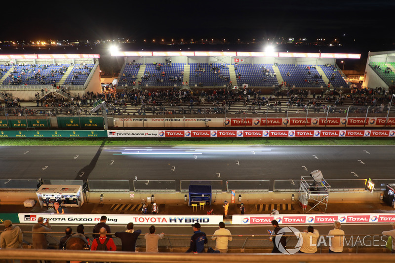 Front straight at Le Mans