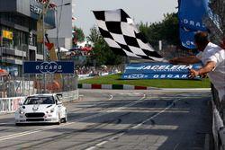 Race winner Thed Björk, YMR Hyundai i30 N TCR